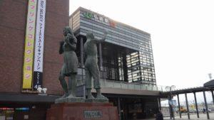 実際の弘前駅の外観。アニメの画像とは角度が違うけど、再現度が高いのは判る。
