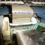 キーボードとマザーボードをつないでいるフィルムケーブル