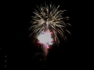 洞爺湖の花火。これはスターマインかな。