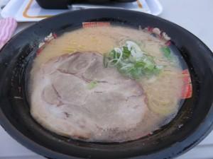 二日目の夕食に食べた北浜商店の白みそラーメン(700円)。