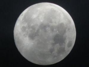 2014年9月8日(撮影は9月9日)の中秋の名月