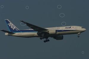 新千歳空港にアプローチする全日空の777-200(JA741A)