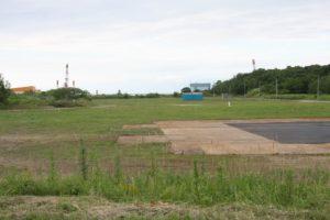 レインボウシャングリラ(地面が黒くなっているところ)からレッドスターフィールド方面を見たところ。